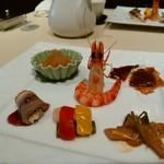礼華 青鸞居 - 才巻海老 クラゲ 牛の皮 野菜の酢漬け 鰤 鴨のブルーベリーソースかけ