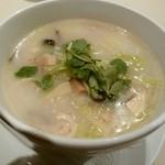 礼華 青鸞居 - 大山鶏と白菜の煮込み麺