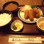 平安食堂 - カキフライ定食