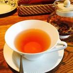 シェ クープル - このハーブティーは、果実味とかに振ってあって紅茶の様に飲みやすいです╰(*´︶`*)╯♡