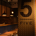 5FIVE CAFE&DINER - お洒落なこだわりのビンテージ空間