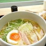 60989591 - 東松山ラーメン(鶏白湯 塩)850円