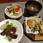 60989623 - おとなビュッフェ(ステーキ・天ぷら、パエリア・あさり汁盛り付け例)