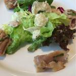 レストラン エピファニー - 私のチョイス①  鶏もも肉のコンフィのサラダ