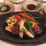 レストラン三ツ星 - お肉の味が違いますね-豊後牛のステーキ_レストラン三ツ星_2017.1.2