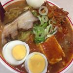 蒙古タンメン中本 - 蒙古五目タンメン+チャーシュー 麺半分