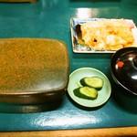 いづもや - 鰻まむし(2000円)、きも吸、うまき
