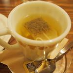 モダナークファームカフェ - カモミール