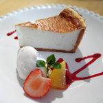 カフェロイム - 料理写真:アルザス風しっとりチーズケーキ470円