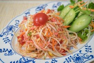 タイ料理サバイ・サバイ - ソムタム(青パパイヤのスパイシーサラダ)