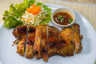 タイ料理サバイ・サバイ - ガイヤーン(東北地方の焼き鳥)