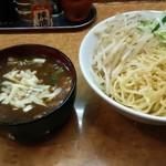 元祖カレータンタン麺 大河家 - カレーつけ麺(カレーの上にチーズ)