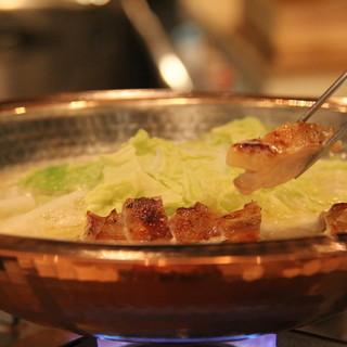 三日仕込みの濃厚鶏スープ!