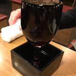 大阪焼肉・ホルモンふたご - はみ出るワイン(赤)580円