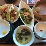 天津飯店 -