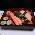 61018993 - 締めのお寿司