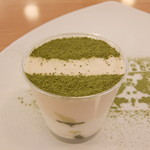 ハワイアンリゾートカフェ レオラ - 小野茶とホワイトチョコのムース