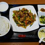 百菜百味 - 豚肉とキノコの甘辛炒め定食