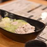 61030401 - ◆白子ポン酢(温)                       湯豆腐の様な感じで提供。取り分けてポン酢と紅葉おろしで頂きます。                       冬の味覚。大好きな白子。