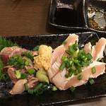 ばんぶー - 鶏刺し レバー&ささみ550円+税