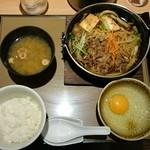 やよい軒 - すき焼き定食 890円(税込)