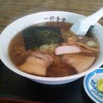 一好食堂 - ラーメン600円漬物付