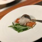 61054129 - 金目鯛の鉄板焼き ズワイガニ きのこ 豆乳を使った和出汁のスープ 柚子の香りで