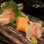 江戸前鮨と鶏 和暖 - 造り   鯛、サーモン、ブリ?
