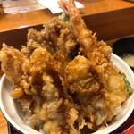 61061440 - 牡蠣エビ天丼。
