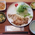 八海山みんなの社員食堂 - 八海定食(肉) 1000円