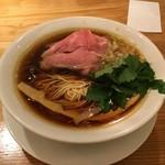 うろた - 料理写真:醤油の鶏そば750円