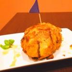 フライドココナッツアイス(マンゴーソース)