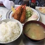 喫茶向陽 - エビフライ定食(味噌汁)800円