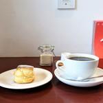 cafe wakka - 料理写真:ミルクスコーン、コーヒー