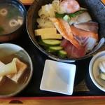 61074286 - 海鮮丼