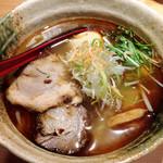 焼きあご塩らー麺 たかはし - 味玉焼きあご塩らー麺 900円