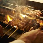 ビストロゴキゲン鳥 - 備長炭で焼き上げるこだわり