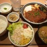 やよい軒 - 味噌かつ煮定食(760円)+野菜サラダ(150円)