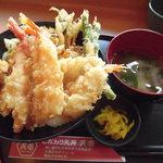 天壱 - 北海天丼みそ汁漬物付きで980円