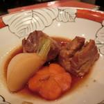 よしとみ - 「豚の角煮(山形)」900円