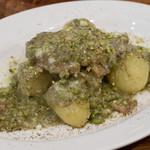 リカータ - 奥丹波鶏もも肉の白ワイン煮込み ブロンテ産ピスタッキオ風味