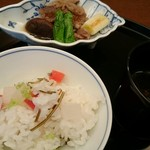 正月屋吉兆 - 炊き込みご飯はおかわりしちゃいました‼すき焼き風も美味しい~