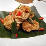 asian bistro PalaPa - 鶏の唐揚げ ライムリーフの香り