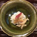米増 - 北寄貝酢飯、器は岸野寛さんの、同じのん持ってます〜♪