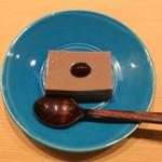 米増 - 黒豆水羊かん、器との色合わせが❣️