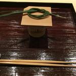 61102612 - 2017.1                       新春〜♪大王松のお飾り、荒い塗りの折敷も使い良さそうで欲しい^〜♪