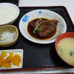 魚市場食堂 - 金目煮定食