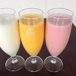 インド料理インディゴ - ドリンク写真:ソフトドリンクインドの飲むヨーグルト(ラッシー)