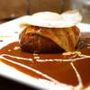 キッチン ハセガワ - 料理写真:BBQハンバーグ チーズ&目玉焼きトッピング