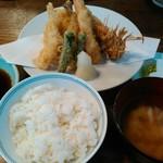 61111260 - 天ぷら盛り合わせ定食・海老追加